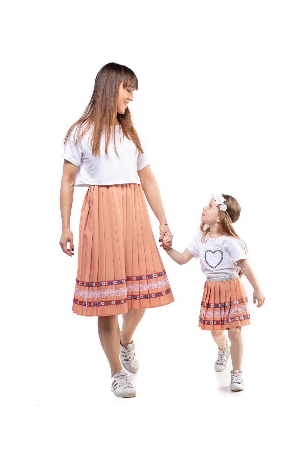 MAMA A DCÉRA plisovaná sukňa tehlová hnedá